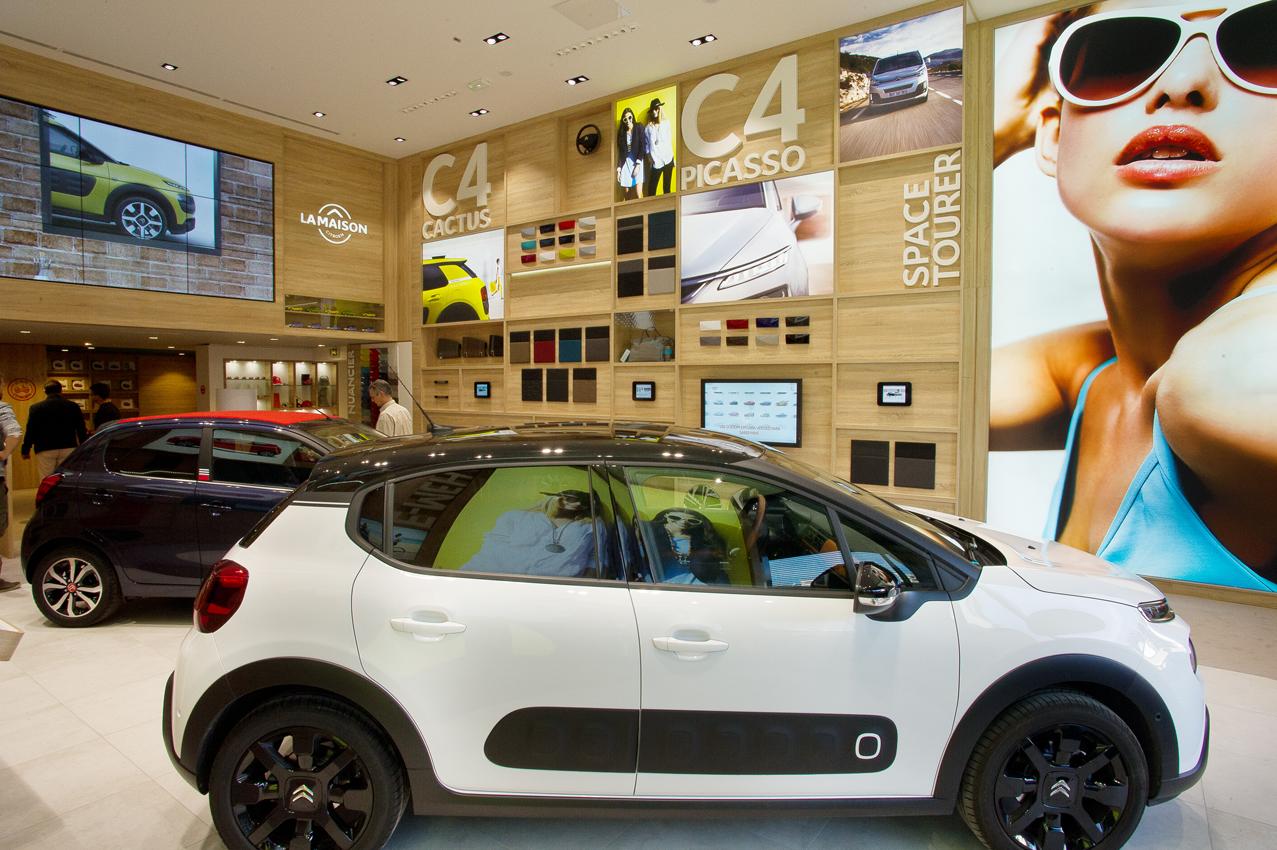 Ukázka nového konceptu showroomu, který bude zanedlouho kmenovou součástí identity automobilky Citroen