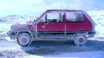 titulka-zamrzla-auta-352x198.jpg