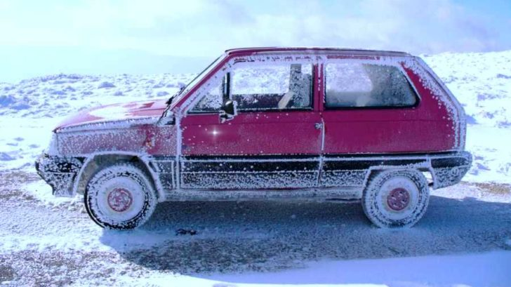 titulka-zamrzla-auta-728x409.jpg