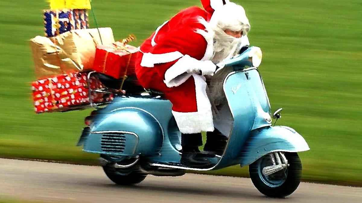 titulka-santa-na-motorce-nahani-ridicku-ktera-srazila-chodce-tohle-neni-vtip