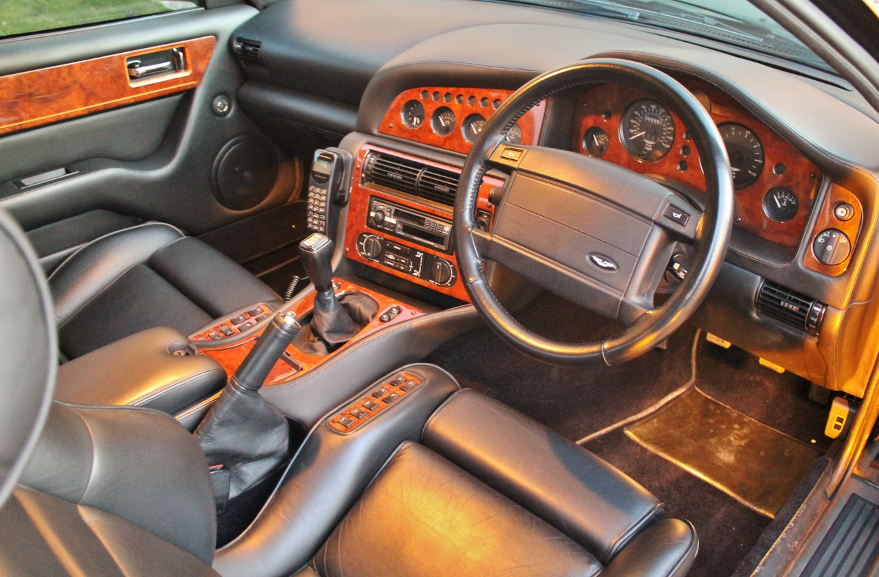 1997-aston-martin-v8-vantage-v550-manual-interior-1.jpg