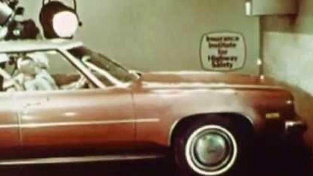 video-ze-70-let-minuleho-stoleti-ukazuje-proc-je-dobre-pouzivat-bezpecnostni-pasy-1100x618.jpg