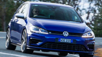 volkswagen_golf_r_5-door_37-352x198.jpg