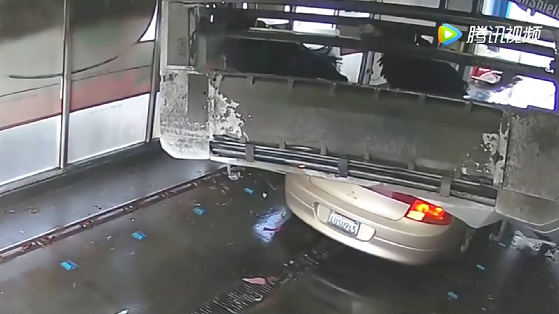 automycka-nehoda-video