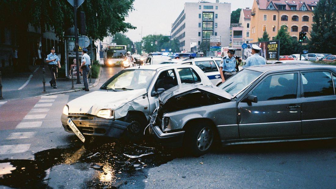 nehoda-1100x618.jpg