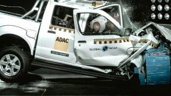 titulka-nissan-hardbody-propadl-v-crashtestu-352x198.jpg