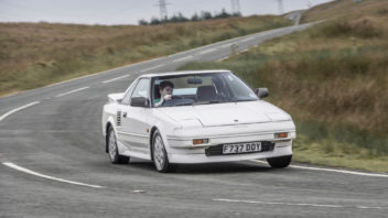 toyota_mr2_15_1-352x198.jpg