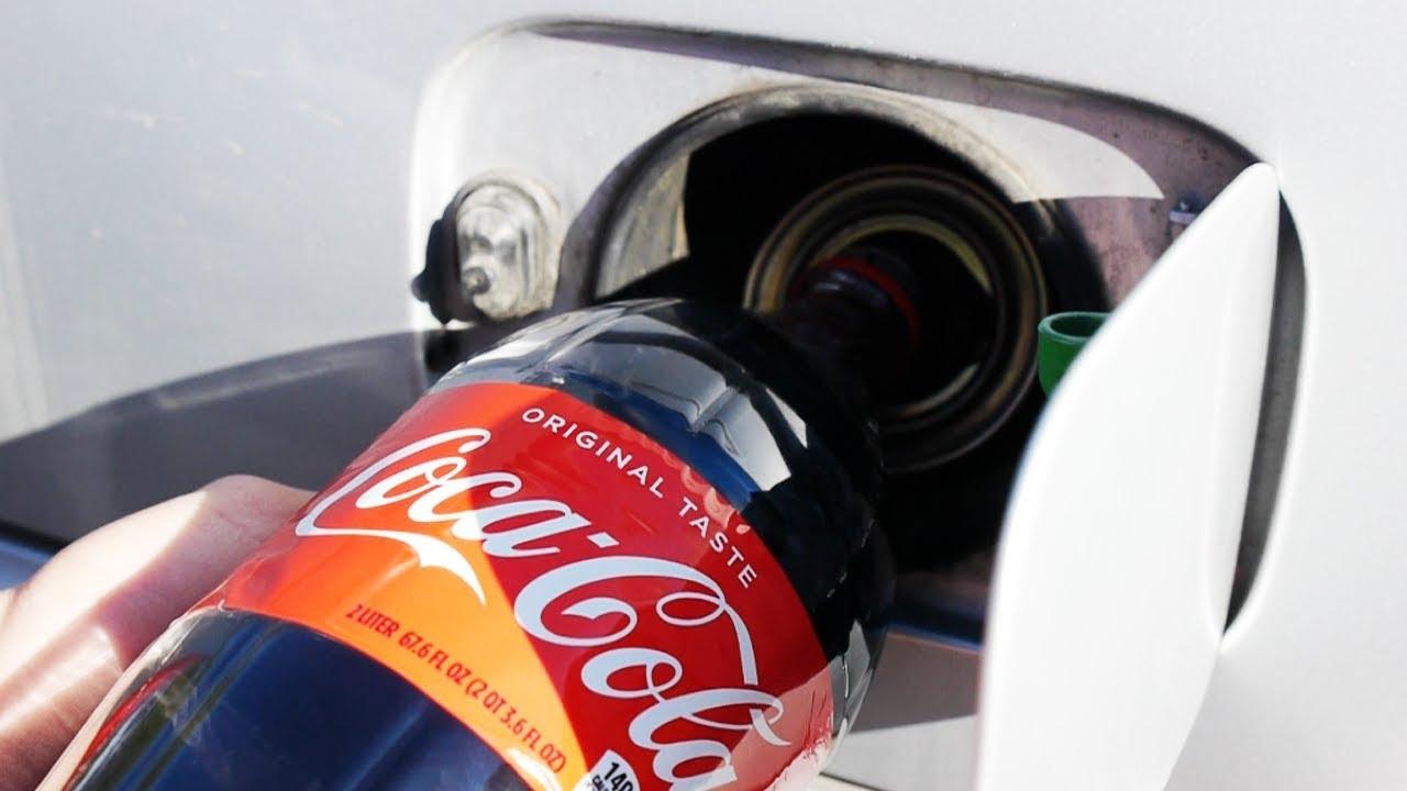 Co se stane, když do palivové nádrže nalijete Coca-Colu?