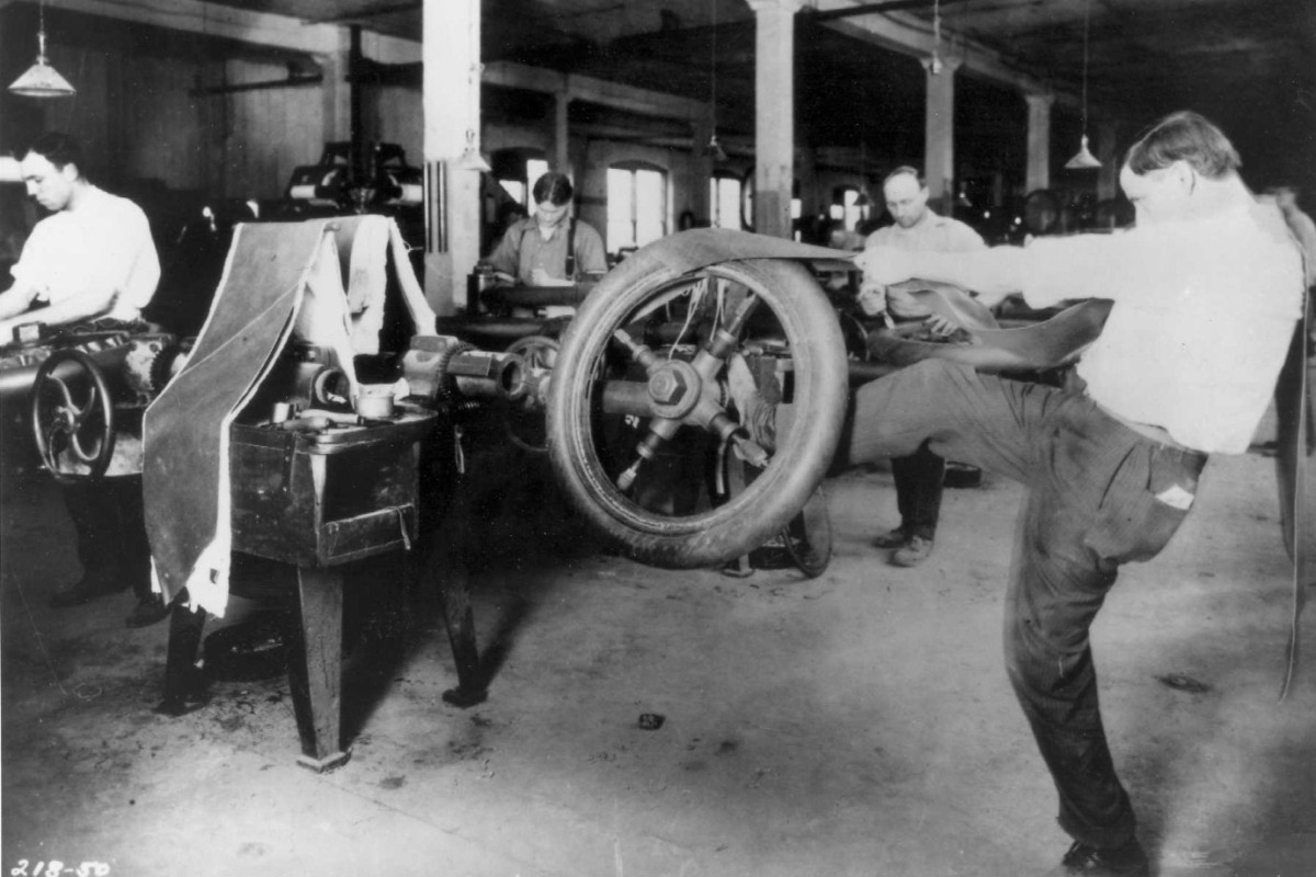 goodyear-tire-manufacturing-in-1900s.jpg