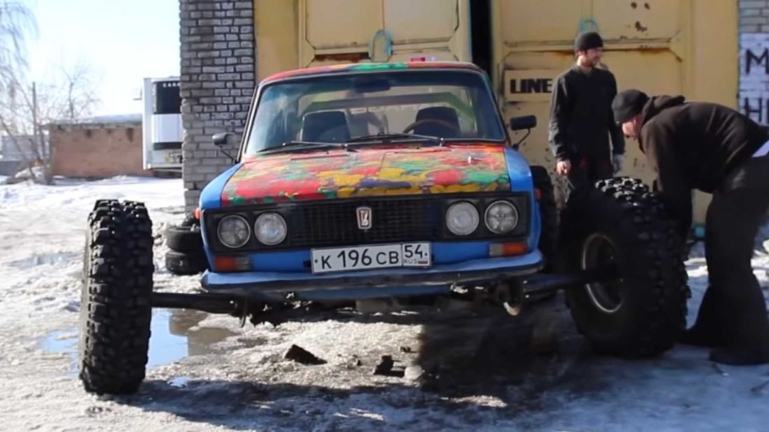 lada-with-38-inch-tires-1100x618.jpg