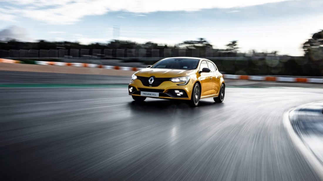 21219652_2018_renault_megane_iv_r_s_trophy_tests_drive_in_portugal-1100x618.jpg