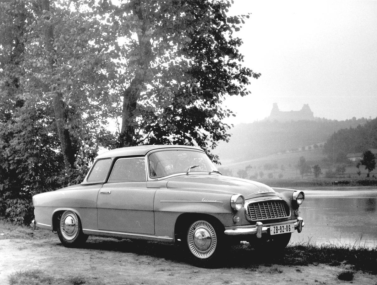 skoda-felicia-near-trosky-czechoslovakia-in-1959.jpg