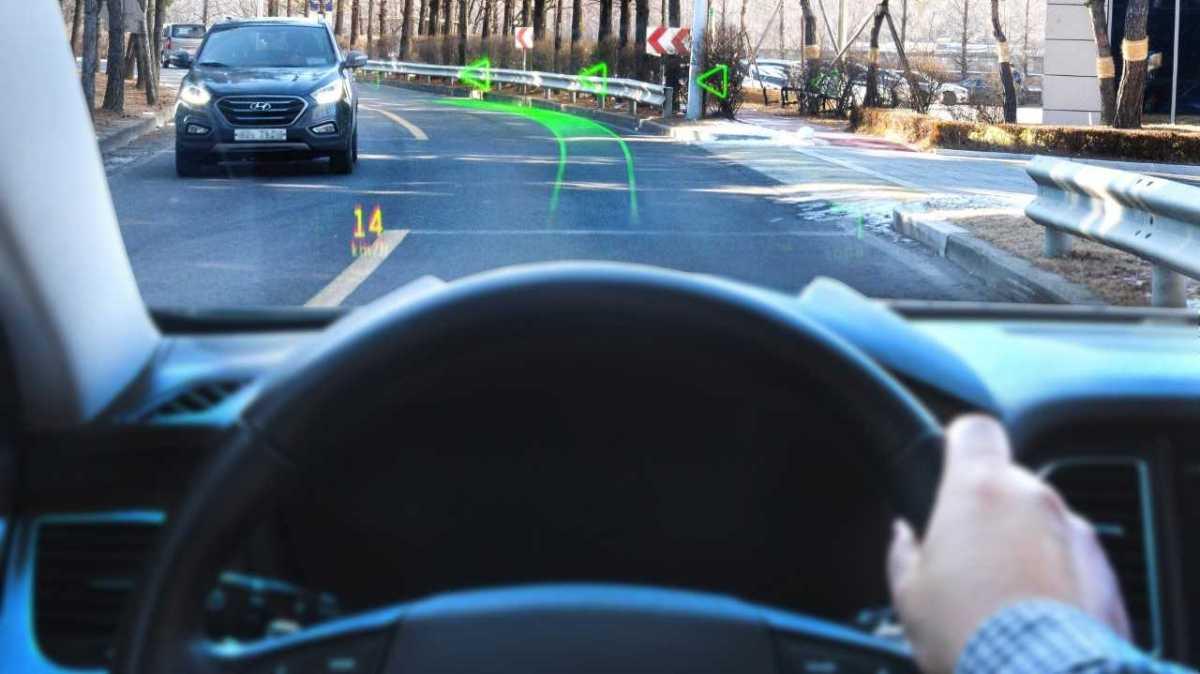 Hyundai ukazuje holografické zobrazování srozšířenou realitou