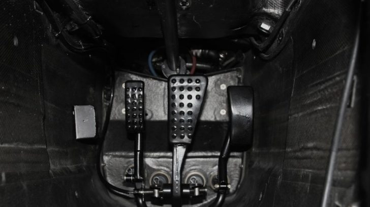 vozy-mclaren-pouzivaji-otevreny-diferencial-3-728x409.jpg