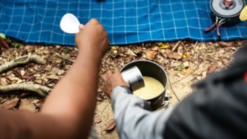 camp-camper-camping-1260306-352x198.jpg