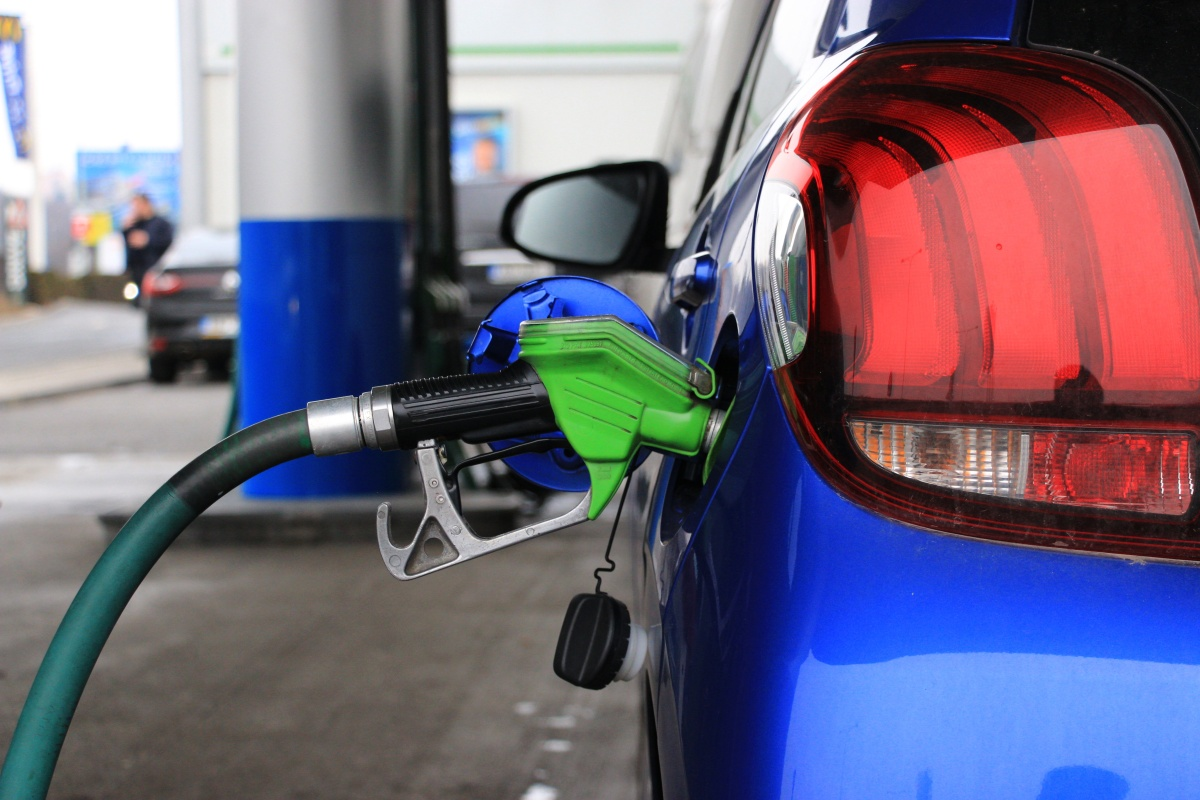 Hledáme pravdu ve vysokooktanovém benzinu