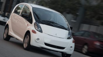 mitsubishi-i-miev_us_version-2012-1280-02-352x198.jpg