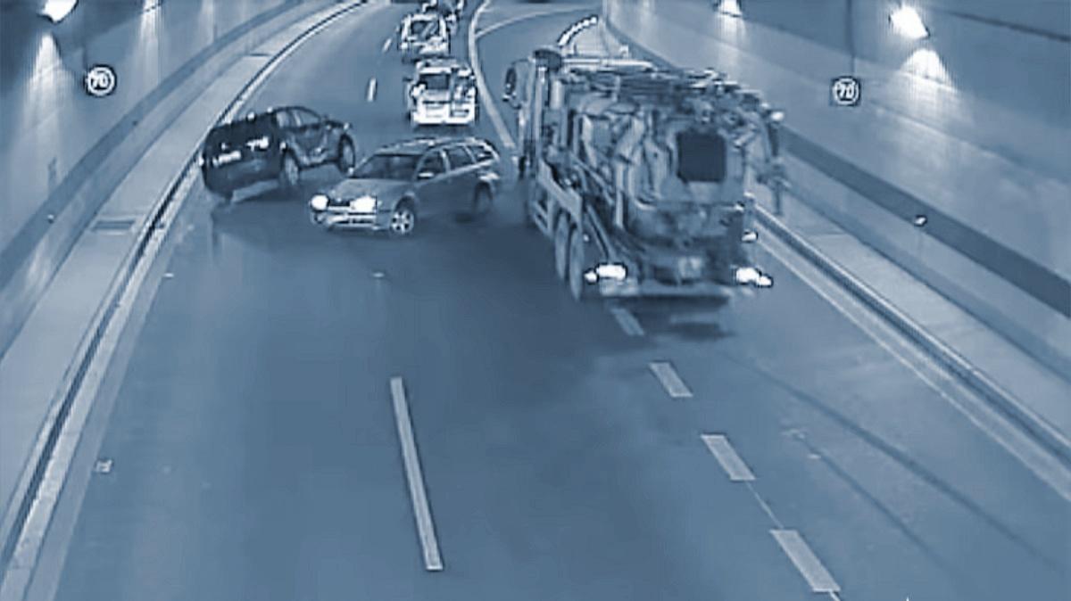 Brutální nehody vpražských tunelech