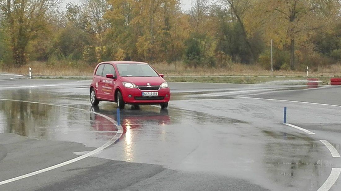 pozvanka-kurz-zeny-autoweb-test-polygon-s-drive-hk-4-1100x618.jpg