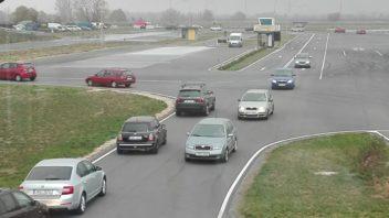 pozvanka-kurz-zeny-autoweb-test-polygon-s-drive-hk-5-352x198.jpg