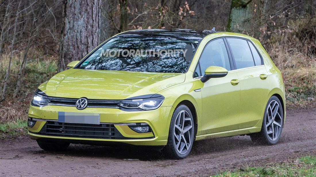 2020-volkswagen-golf-spy-shots-image-via-s-baldauf-sb-medien_100694815_h-1100x618.jpg