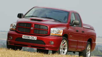 dodge_ram_srt10_quad_cab_9-352x198.jpg
