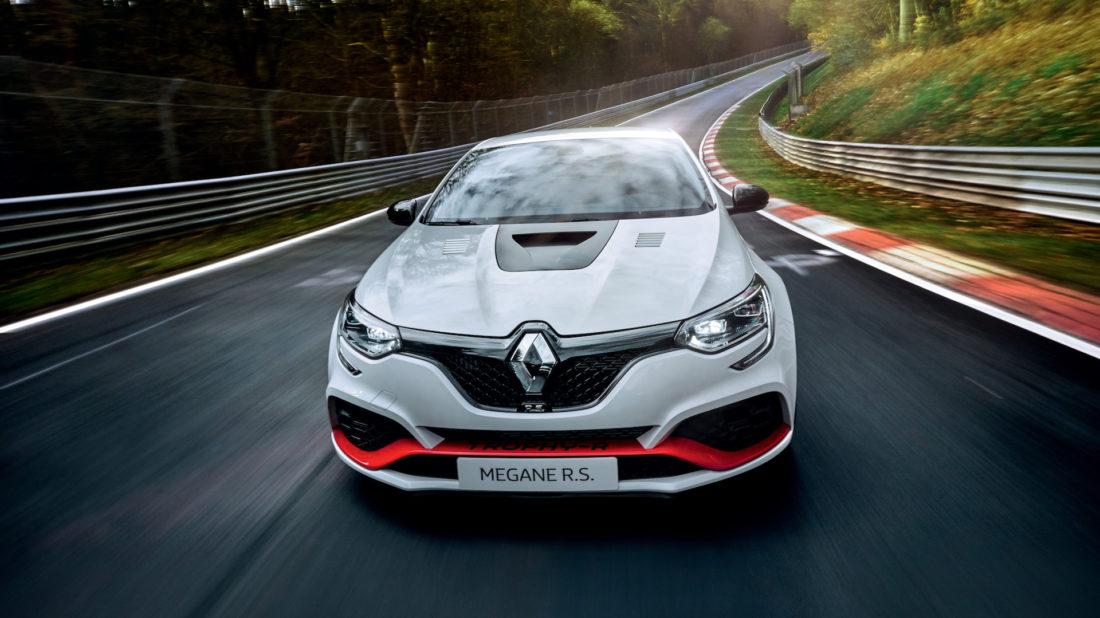 renault-megane-rs-trophy-r-nrburgring-record_100701647_h-1100x618.jpg