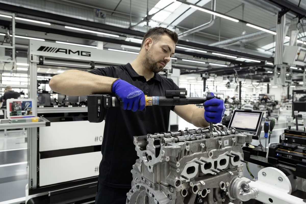 Mercedes AMG ukázal nejvýkonnější dvoulitr historie