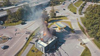 v-norsku-explodovala-vodikova-cerpaci-stanice-352x198.jpg
