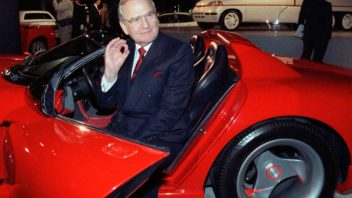 chrysler-ceo-lee-iacocca-dead-1-352x198.jpg