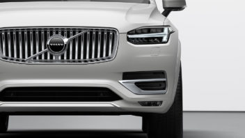 volvo_xc90_t8_twin_engine_inscription_2-352x198.jpg