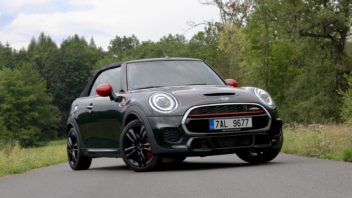 mini-jcw-john-cooper-works-convertible-cabrio-petrol-hothatch-test-1-352x198.jpg