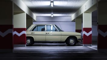 underground_car_park_urban_auto_automotive_vehicle_daimler_benz_old_retro-1389423-352x198.jpg