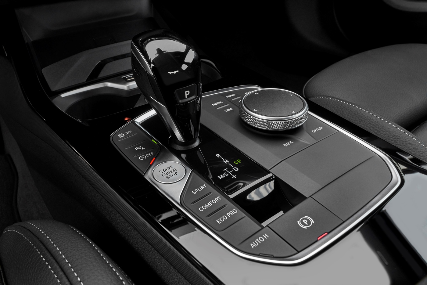 p90370519_highres_the-all-new-bmw-2-se.jpg