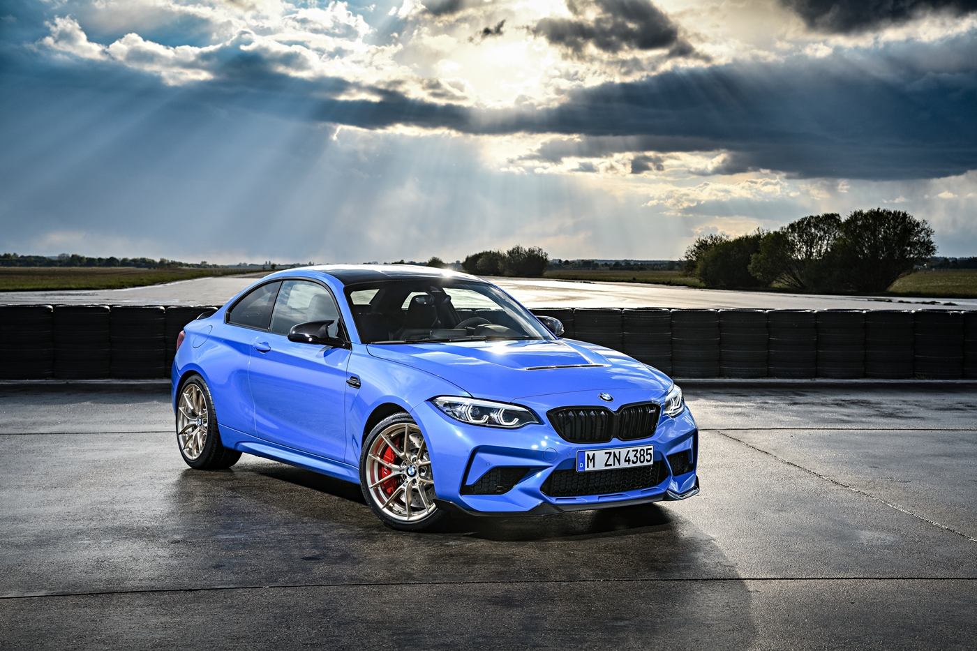 p90374193_highres_the-all-new-bmw-m2-c.jpg
