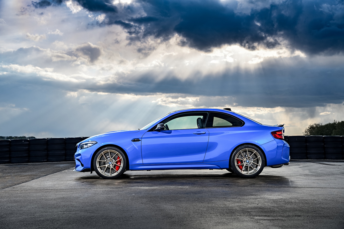 p90374194_highres_the-all-new-bmw-m2-c.jpg