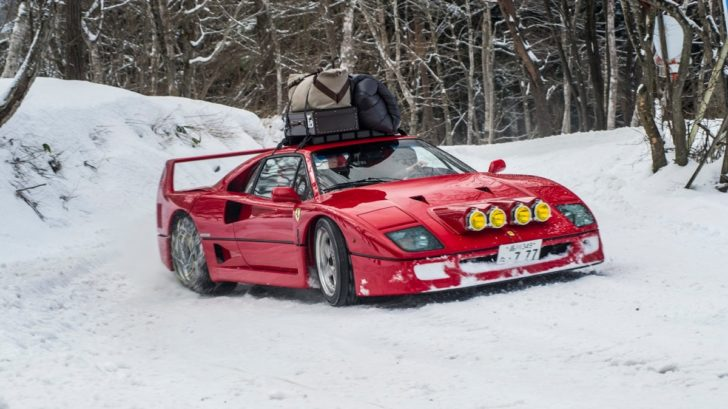 the-petrolhead-corner-christmas-edition-ferrari-f40-snow-drifiting-and-verde-abetone-christmas-tree-728x409.jpg
