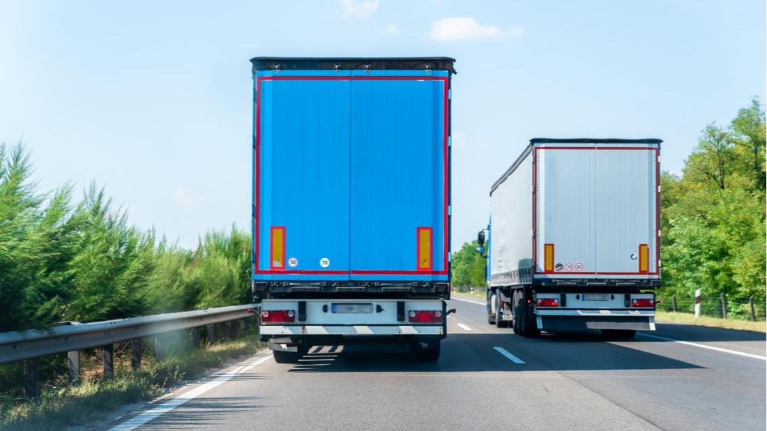 Zákaz předjíždění pro kamiony