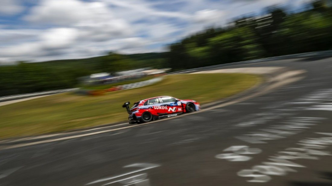 thumbnail_hyundai-i30-n-tcr-na-2019-fia-wtcr-world-touring-car-cup-of-nurburgring-nordschleife-germany-foto-clement-marin-1100x618.jpg