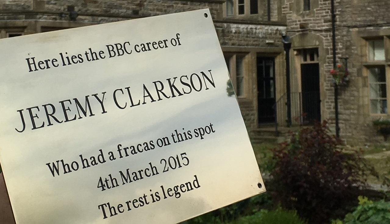 Zde leží kariéra Jeremyho Clarksona