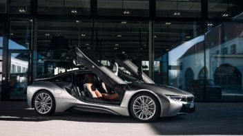 p90385443_highres_the-bmw-i8-from-visi-352x198.jpg