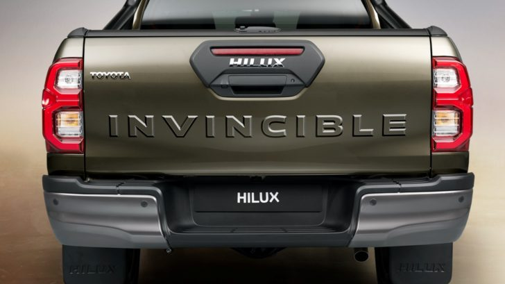 hilux_detail_rear_full_17-728x409.jpg