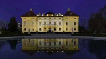 nasviceny-zamek-6-352x198.jpg