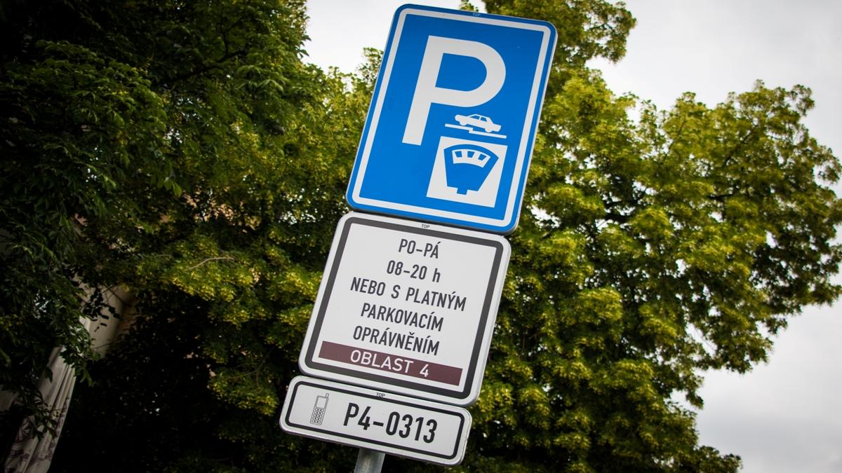 Praha opět zkomplikuje parkování arozšíří zóny placeného stání