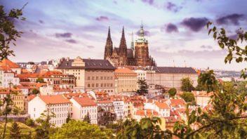 prazsky-hrad_shutterstock_1669075360-352x198.jpg