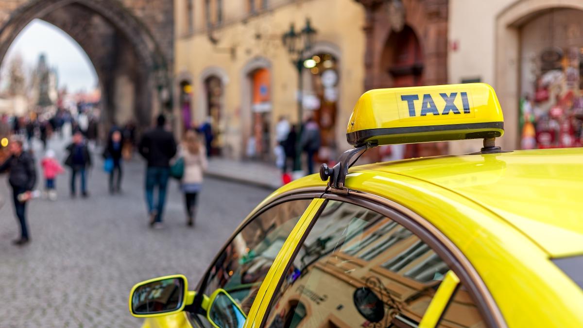 Modernizace taxi zákona přinese přechod tisíců řidičů do legality