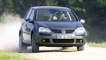 volkswagen-golf-2004-1600-1a-352x198.jpg