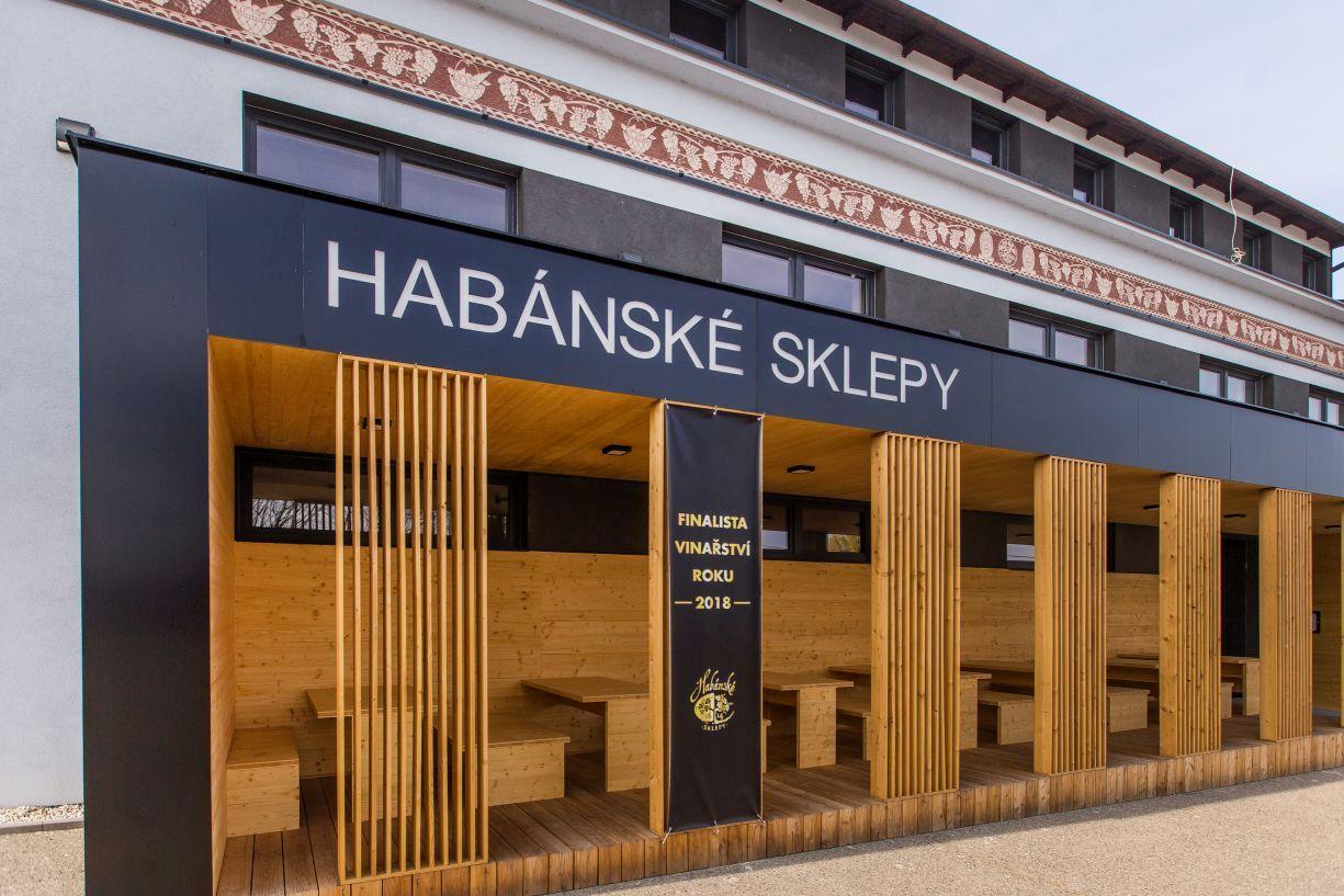 Poznejte tajemství Habánských sklepů aHabánů, kteří je založili