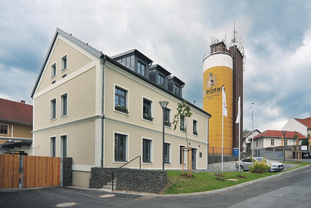 Svijany lákají na zrekonstruovaný zámek avýrobu piva od roku 1564