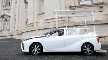 a-hydrogen-popemobile-for-his-holiness-pope-francis-352x198.jpg